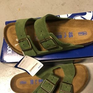 Birkenstock Arizona green suede 9 medium new